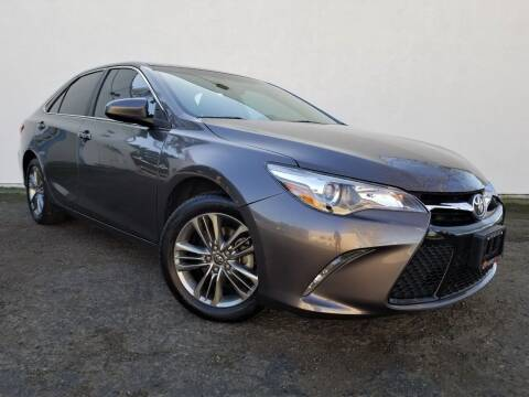 2016 Toyota Camry for sale at Planet Cars in Berkeley CA