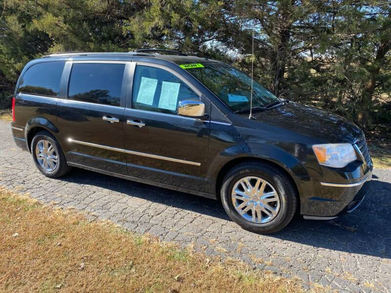 2008 Chrysler Town and Country for sale at Kansas Car Finder in Valley Falls KS