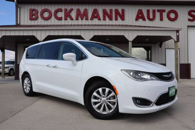 2019 Chrysler Pacifica for sale at Bockmann Auto Sales in St. Paul NE