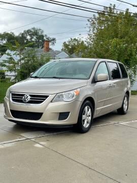 2009 Volkswagen Routan for sale at Suburban Auto Sales LLC in Madison Heights MI