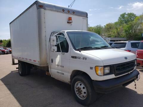 1999 Ford E-Series Chassis for sale at Gordon Auto Sales LLC in Sioux City IA