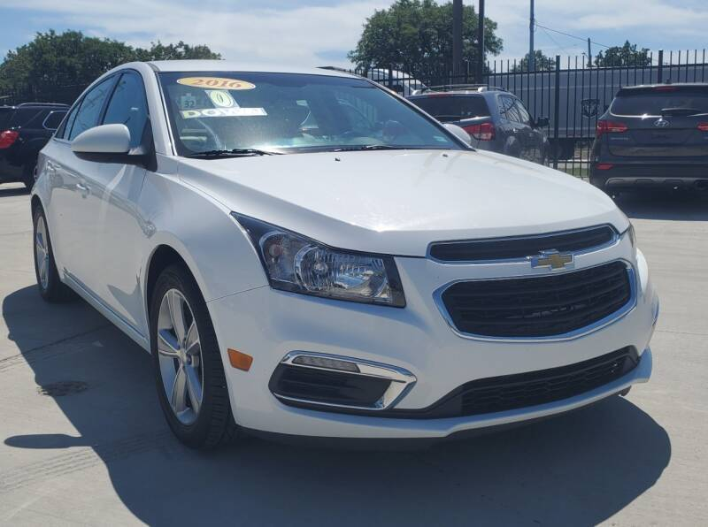 2016 Chevrolet Cruze Limited for sale at Julian Auto Sales, Inc. - Number 1 Car Company in Detroit MI