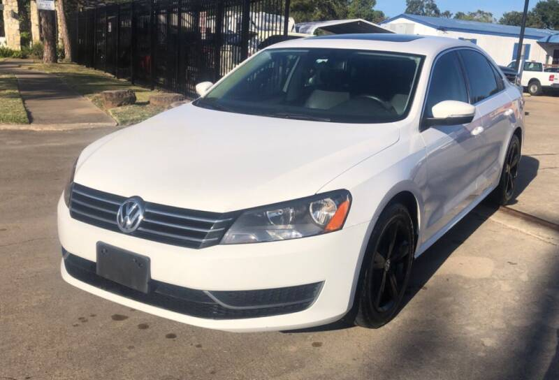 2013 Volkswagen Passat for sale at Newsed Auto in Houston TX