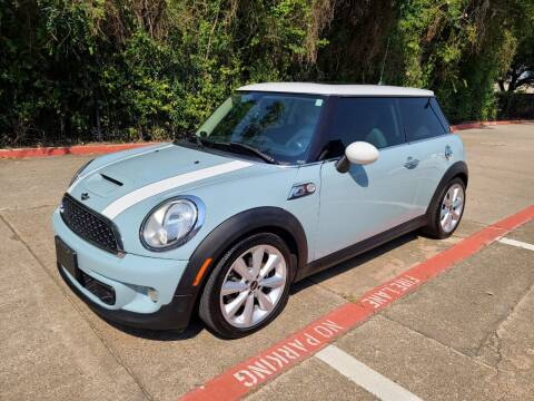 2013 MINI Hardtop for sale at DFW Autohaus in Dallas TX