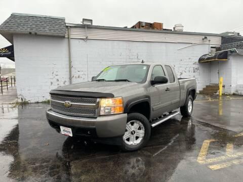 2007 Chevrolet Silverado 1500 for sale at Santa Motors Inc in Rochester NY