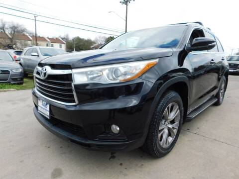 2015 Toyota Highlander for sale at AMD AUTO in San Antonio TX