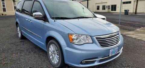2012 Chrysler Town and Country for sale at Deanas Auto Biz in Pendleton OR