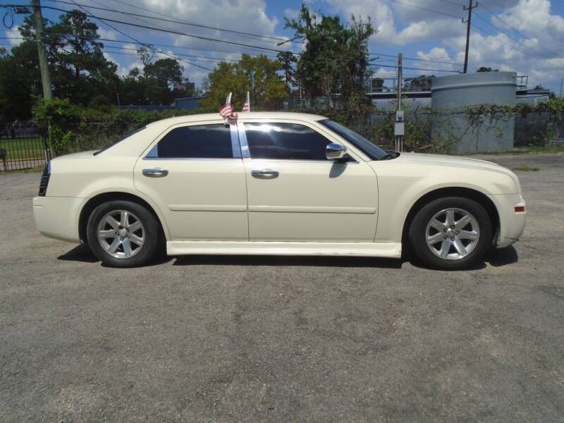 2005 Chrysler 300 Rwd 4dr Sedan - Houston TX