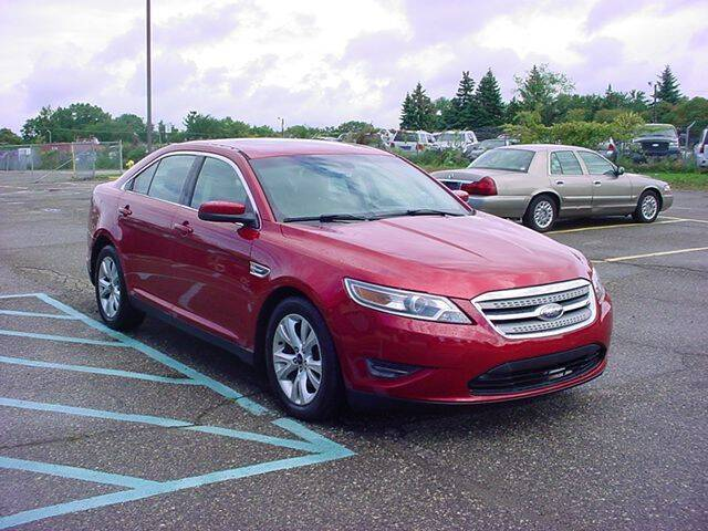 2010 Ford Taurus for sale at VOA Auto Sales in Pontiac MI