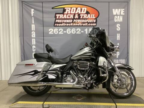 2015 Harley-Davidson® FLHXSE - CVO™ Street Gli for sale at Road Track and Trail in Big Bend WI