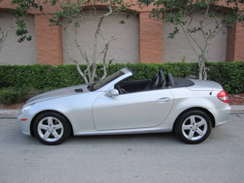 2006 Mercedes-Benz SLK for sale at FLORIDACARSTOGO in West Palm Beach FL