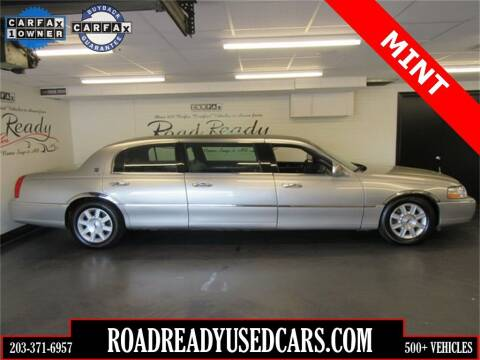 2006 Lincoln Town Car for sale at Road Ready Used Cars in Ansonia CT