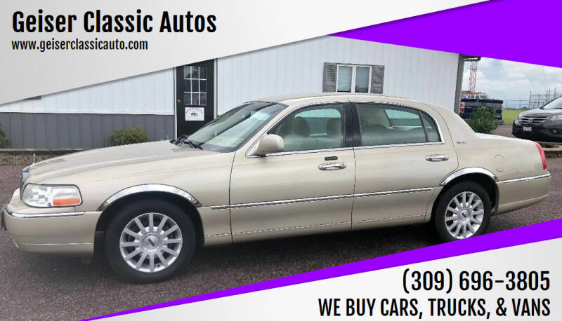 2006 Lincoln Town Car for sale at Geiser Classic Autos in Roanoke IL