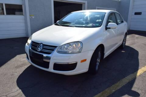 2006 Volkswagen Jetta for sale at L&J AUTO SALES in Birdsboro PA