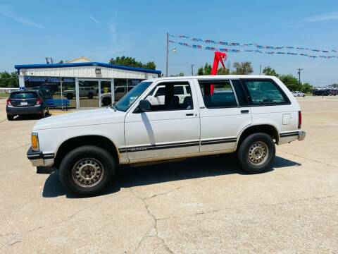 1993 Chevrolet S-10 Blazer for sale at Pioneer Auto in Ponca OK