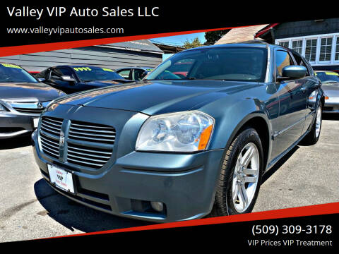 2005 Dodge Magnum for sale at Valley VIP Auto Sales LLC in Spokane Valley WA