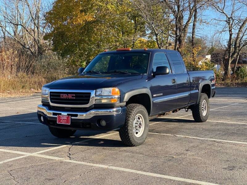 2005 GMC Sierra 2500HD 4dr Extended Cab SLE 4WD SB - Derry NH
