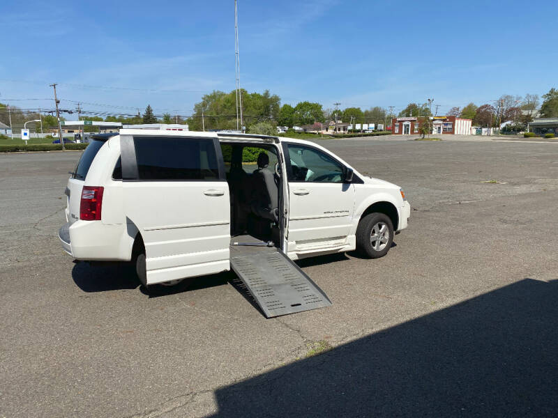 2010 Dodge Grand Caravan for sale at BT Mobility LLC in Wrightstown NJ