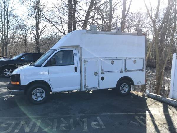 2008 Chevrolet Express Cutaway for sale at BORGES AUTO CENTER, INC. in Taunton MA