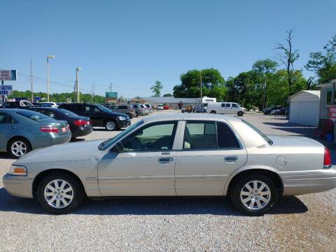 2008 Ford Crown Victoria for sale at Space & Rocket Auto Sales in Hazel Green AL