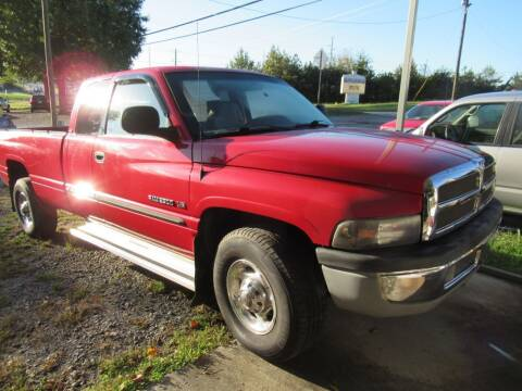 2001 Dodge Ram Pickup 2500 for sale at Dallas Auto Mart in Dallas GA
