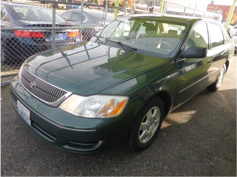 2001 Toyota Avalon for sale at Klean Carz in Seattle WA