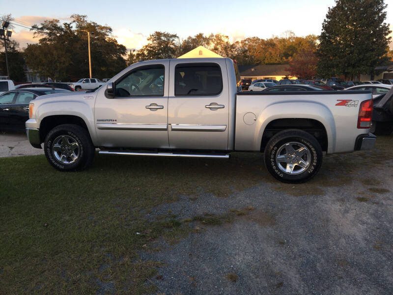 2011 GMC Sierra 1500 for sale at LAURINBURG AUTO SALES in Laurinburg NC