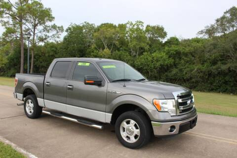 2013 Ford F-150 for sale at Clear Lake Auto World in League City TX