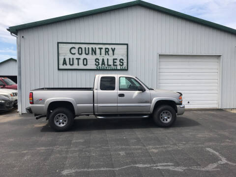 2005 GMC Sierra 2500HD for sale at COUNTRY AUTO SALES LLC in Greenville OH