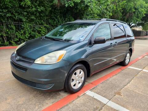 2005 Toyota Sienna for sale at DFW Autohaus in Dallas TX