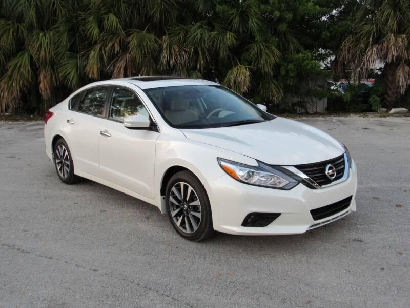 2016 Nissan Altima for sale at United Auto Center in Davie FL