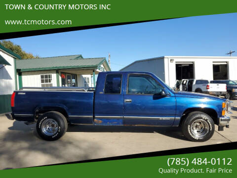 1996 Chevrolet C/K 1500 Series for sale at TOWN & COUNTRY MOTORS INC in Meriden KS