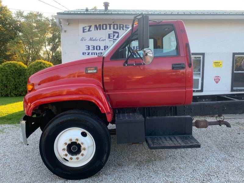 2001 GMC C6500 for sale at EZ Motors in Deerfield OH