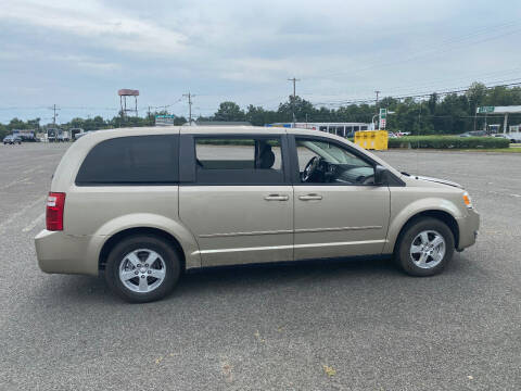 2009 Dodge Grand Caravan for sale at BT Mobility LLC in Wrightstown NJ