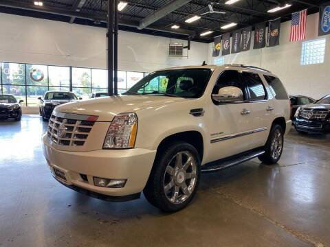 2013 Cadillac Escalade for sale at CarNova in Sterling Heights MI