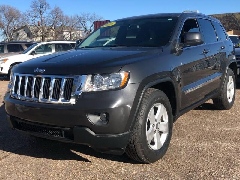2011 Jeep Grand Cherokee for sale at El Tucanazo Auto Sales in Grand Island NE
