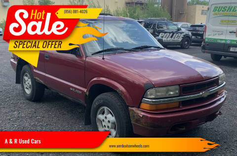 1999 Chevrolet Blazer for sale at A & R Used Cars in Clayton NJ