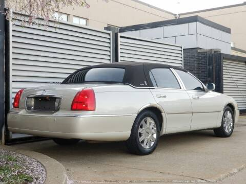 2004 Lincoln Town Car for sale at FAYAD AUTOMOTIVE GROUP in Pittsburgh PA