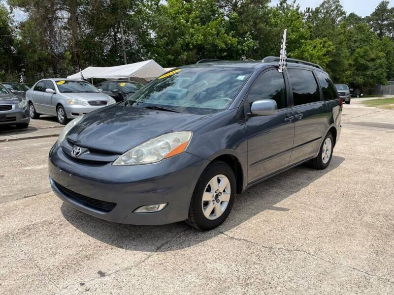 2006 Toyota Sienna for sale at AUTO WOODLANDS in Magnolia TX