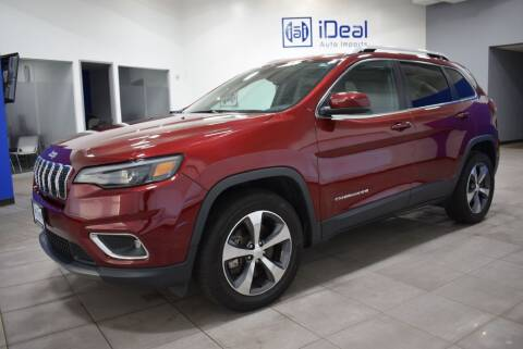 2019 Jeep Cherokee for sale at iDeal Auto Imports in Eden Prairie MN