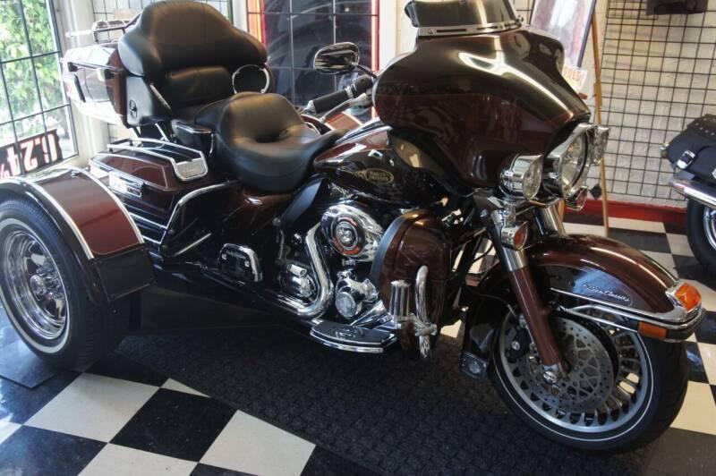 2009 Harley-Davidson Ultra Classic  for sale at Dream Machines USA in Lantana FL