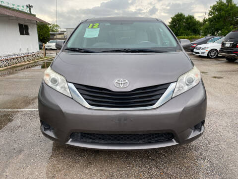 2012 Toyota Sienna for sale at SOUTHWAY MOTORS in Houston TX