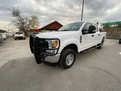 2017 Ford F-250 Super Duty for sale at RODRIGUEZ MOTORS CO. in Houston TX