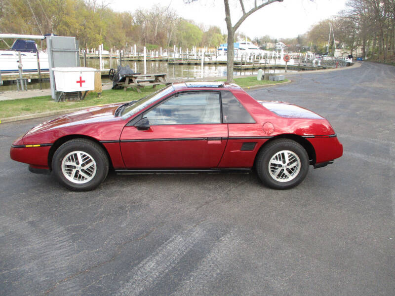 1988 Pontiac Fiero for sale at Lease Car Sales 2 in Warrensville Heights OH