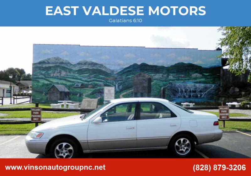 1998 Toyota Camry for sale at EAST VALDESE MOTORS in Valdese NC