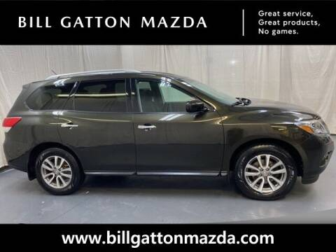 2016 Nissan Pathfinder for sale at Bill Gatton Used Cars - BILL GATTON ACURA MAZDA in Johnson City TN
