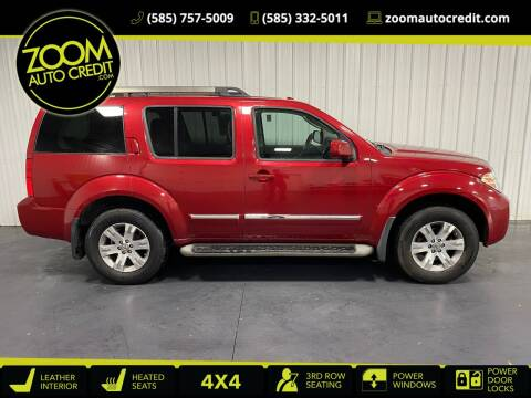 2012 Nissan Pathfinder for sale at ZoomAutoCredit.com in Elba NY