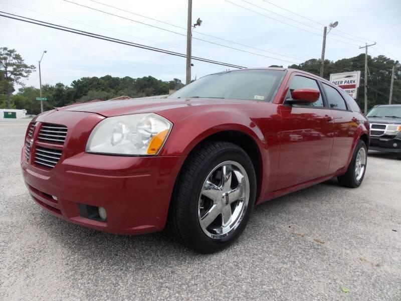 2005 Dodge Magnum for sale at Deer Park Auto Sales Corp in Newport News VA
