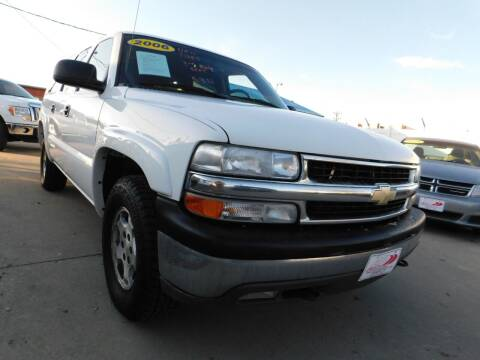 2006 Chevrolet Suburban for sale at AP Auto Brokers in Longmont CO