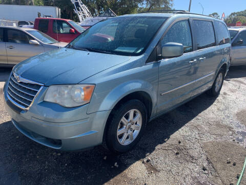 2010 Chrysler Town and Country for sale at EXECUTIVE CAR SALES LLC in North Fort Myers FL